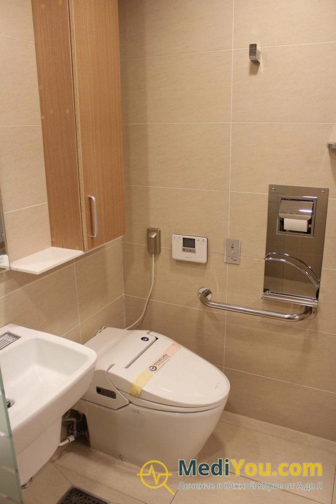 Медицинский центр Ханянг - ВИП палата туалетная комната